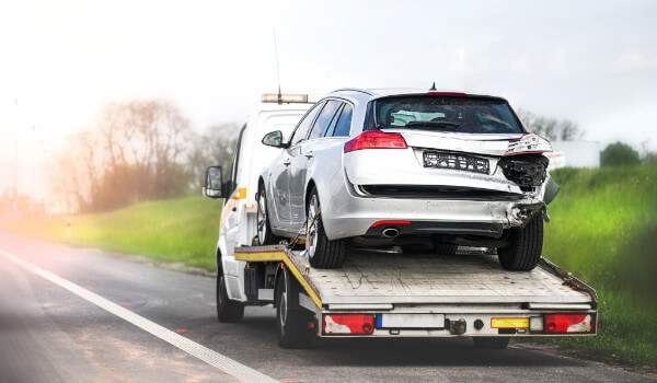 The Difference Between Normal and Off Road Towing Services
